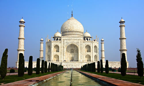 The Taj Mahal Mausoleum, Agra in India © ErickN