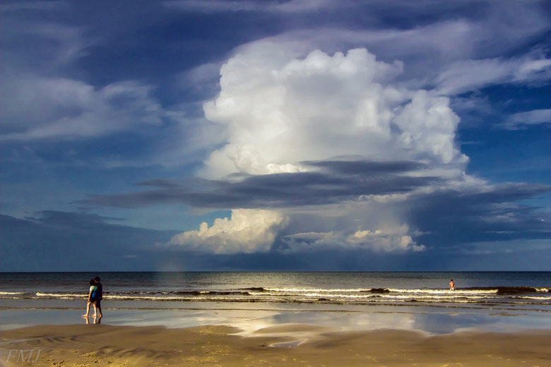 Afternoon thunderstorm Florida ©  FMJ Shooter - Flickr Creative Commons