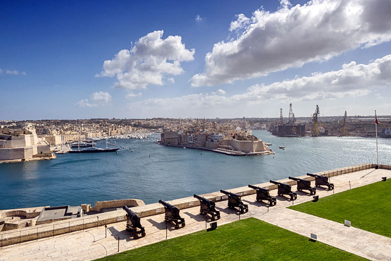 Weather over the Upper Barrakka Gardens, Valletta, Malta © Bill Brooks - Alamy Stock Photo
