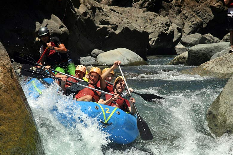 Whitewater rafting in Costa Rica © David Berkowitz - Flickr Creative Commons